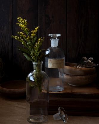 antique-apothecary-bottles-antique-bottles-antique-jars-1084586.jpg